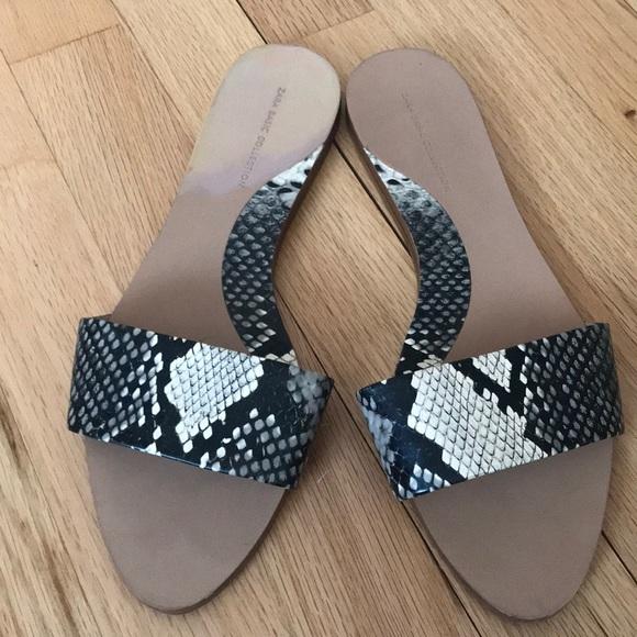 871d0a06ba23 Zara Snakeskin Flat Sandals. M 5a526612d39ca213f8015e70